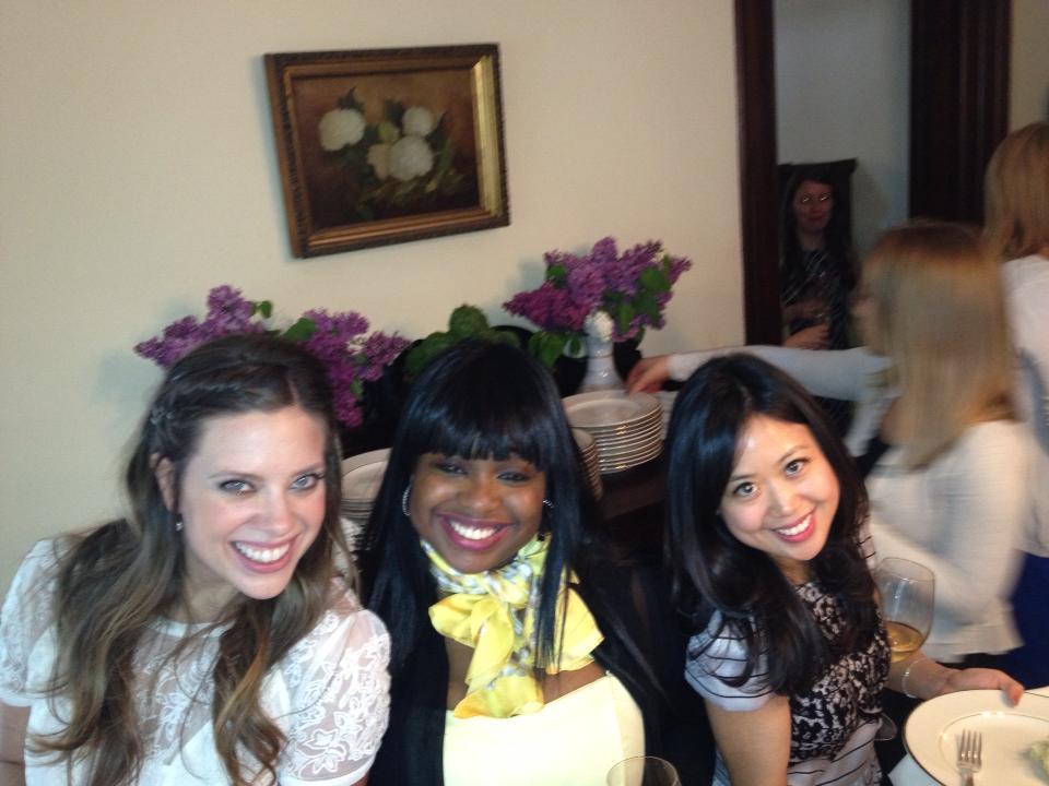 bridesmaid-love-cute-friends-forever-wedding-blog-ideas